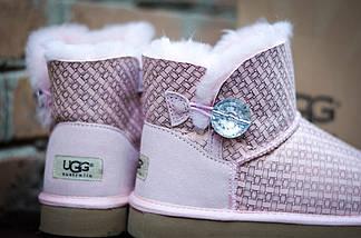 Угги нежно-розовые зимние UGG 3352 Пуговка  с камнем  пудра, фото 2