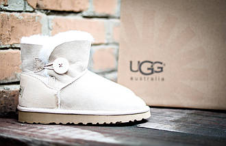 Угги бежевые женские зимние UGG 3352 Пуговка бежев, фото 2