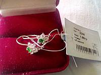 Серебряные серьги на девочку 925 пробы с зелеными и белыми фианитами