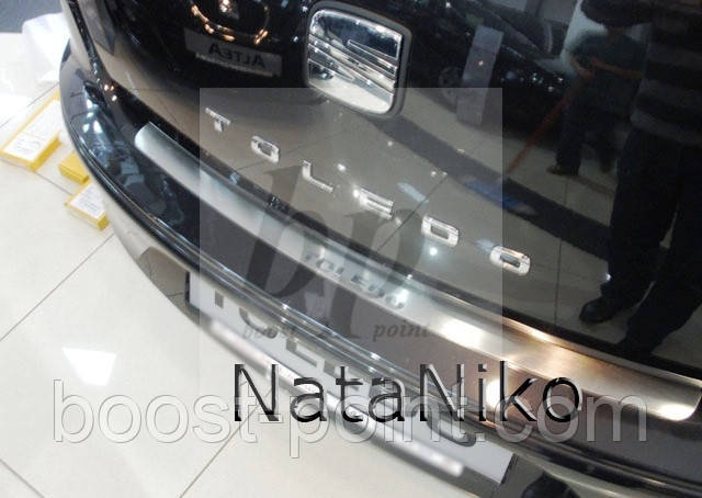 Защитная хром накладка на задний бампер (планка без загиба) seat toledo IV 5D (сеат/ сиат толедо 2012+)