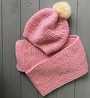 Комплект Шапка ручной работы с меховым балабоном и шарф розовый  MoziOne