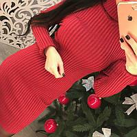 Красивое теплое платье с люрексом под горло только красное