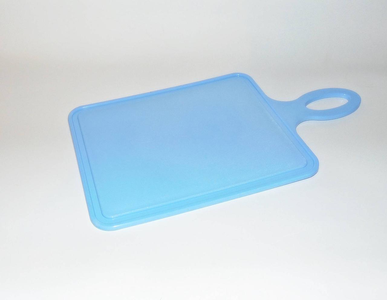 Доска разделочная пластиковая с ручкой 18.5х23см
