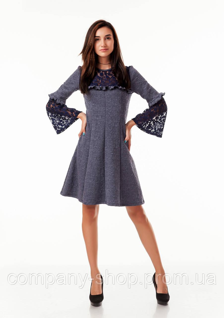 Платье оптом с кружевом. Модель П100_темно-серый цветочек.