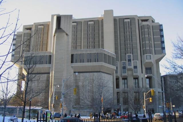Здание Робартс. Канада