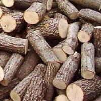Твердые породы дерева в чурках