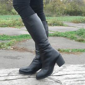 71542| Женские сапоги зимние на невысоком каблуке. Черные из натуральной кожи