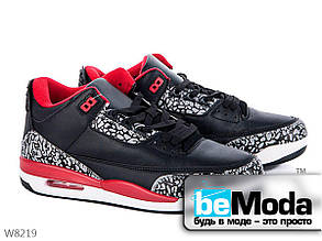 Мягкие мужские кроссовки с белыми и красными вставками на шнурках в черном цвете