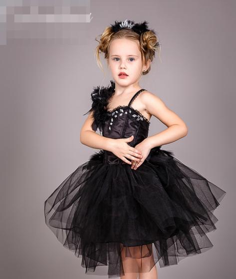 Костюм - Чёрный лебедь, украшение в подарок.