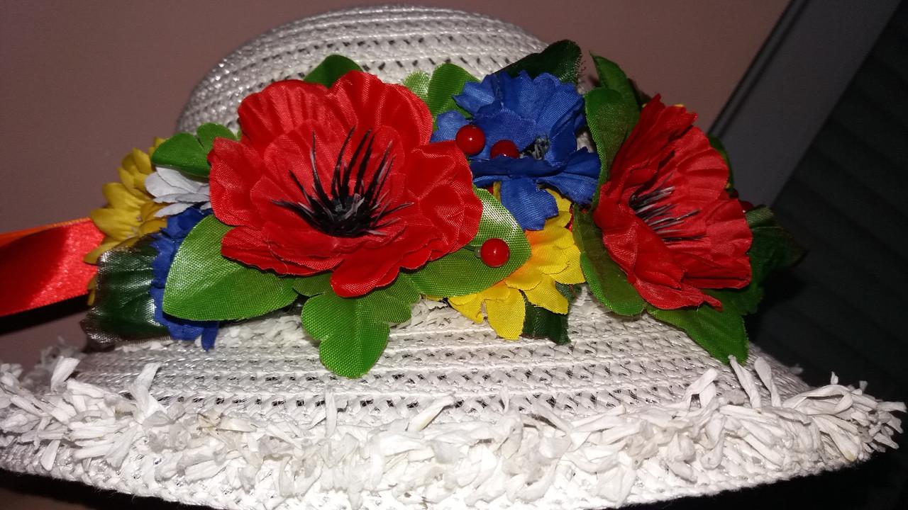 Веночек с красивыми и яркими цветами