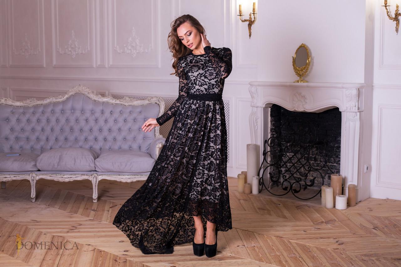 Платье с набивным кружевом