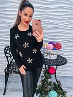 Женский  черный свитер украшенный стразами