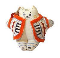 Кот белый в вышитом тулупе (гречка)