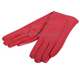 Симпатичные перчатки красного цвета