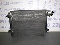 Радиатор кондиционера (2,0 TDI 16V) Volkswagen Caddy III 04-10 (Фольксваген Кадди), 1T0820411С