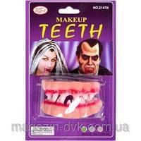 Зубы вампира с кровью 145