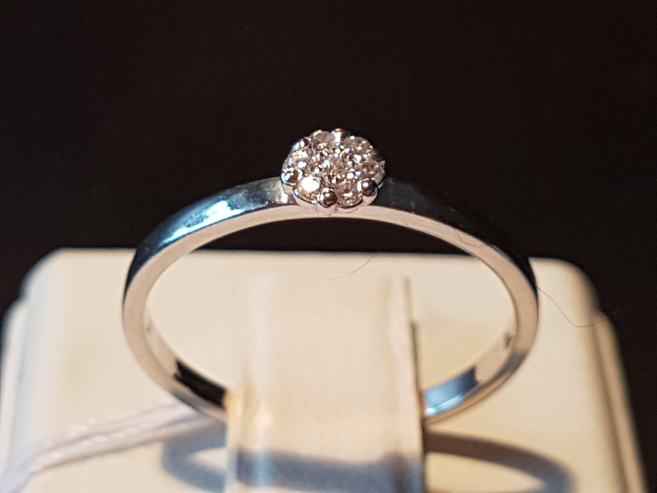 Серебряное кольцо с фианитами. Артикул 10019р 15,5