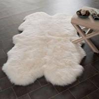 Ковер из 4-х (четырех) овечьих шкур, цвет белый.