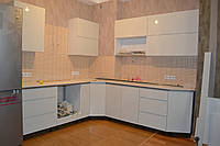 Угловая кухня глянцевая, фото 1