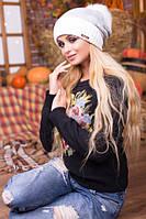 Мила біло-сіра зимова шапка з бомбоном Esma