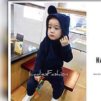 Детский костюм из плотного мягкого велюра