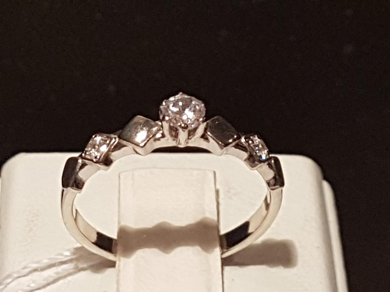 Серебряное кольцо с фианитами. Артикул 10001р