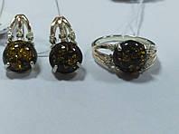 Комплект женский из серебра с золотыми накладками и зеленым янтарем Рима