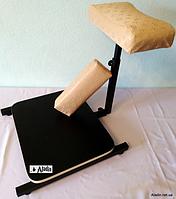 """Подставка для педикюра с полочкой для ванночки+валик для маникюра""""Louis Vuitton"""""""