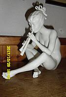 Белый фарфор Обнаженная девушка с дудочкой Кайзер