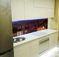 Маленькая кухня с фасадами МДФ крашеными (RAL)