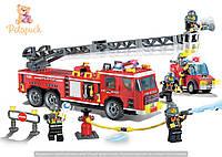 Конструктор «Пожарно-спасательная машина» 607 деталей Brick-908