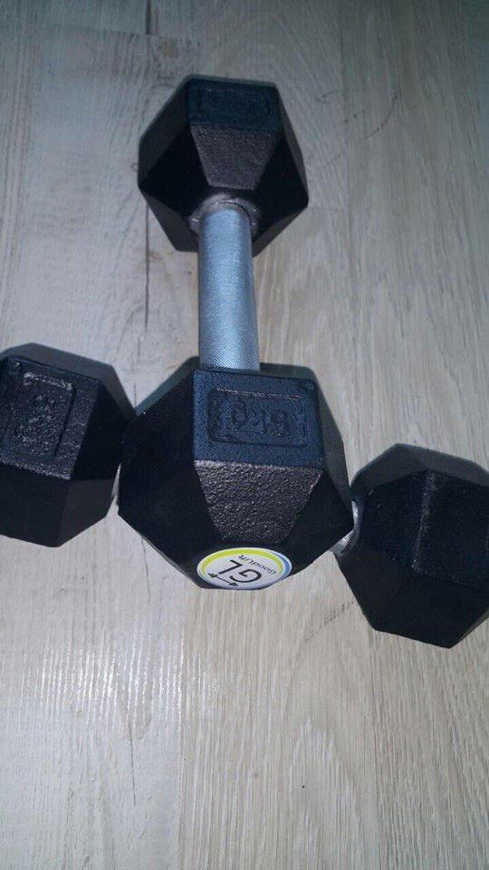Гантель стальная неразборная весом 5 кг