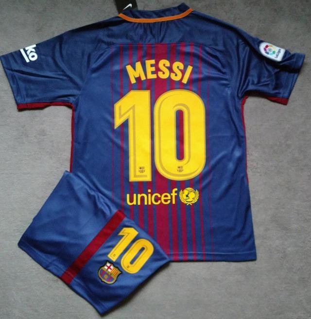 Одежда от футбольного клуба барселона