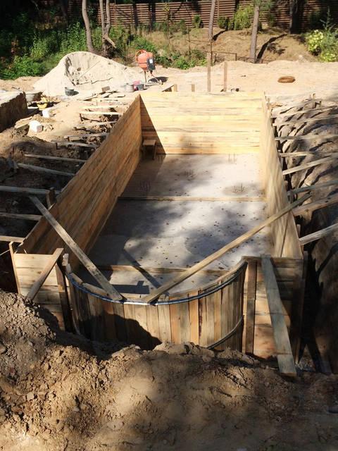 Плавательный внешний бассейн с. Гореничи 7