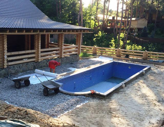 Плавательный внешний бассейн с. Гореничи 16
