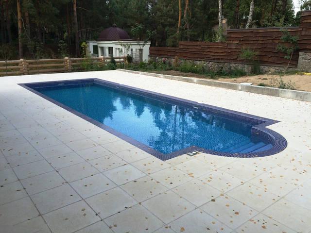 Плавательный внешний бассейн с. Гореничи 18