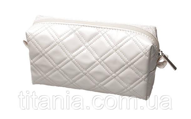 Косметичка біла глянцева TITANIA 7763