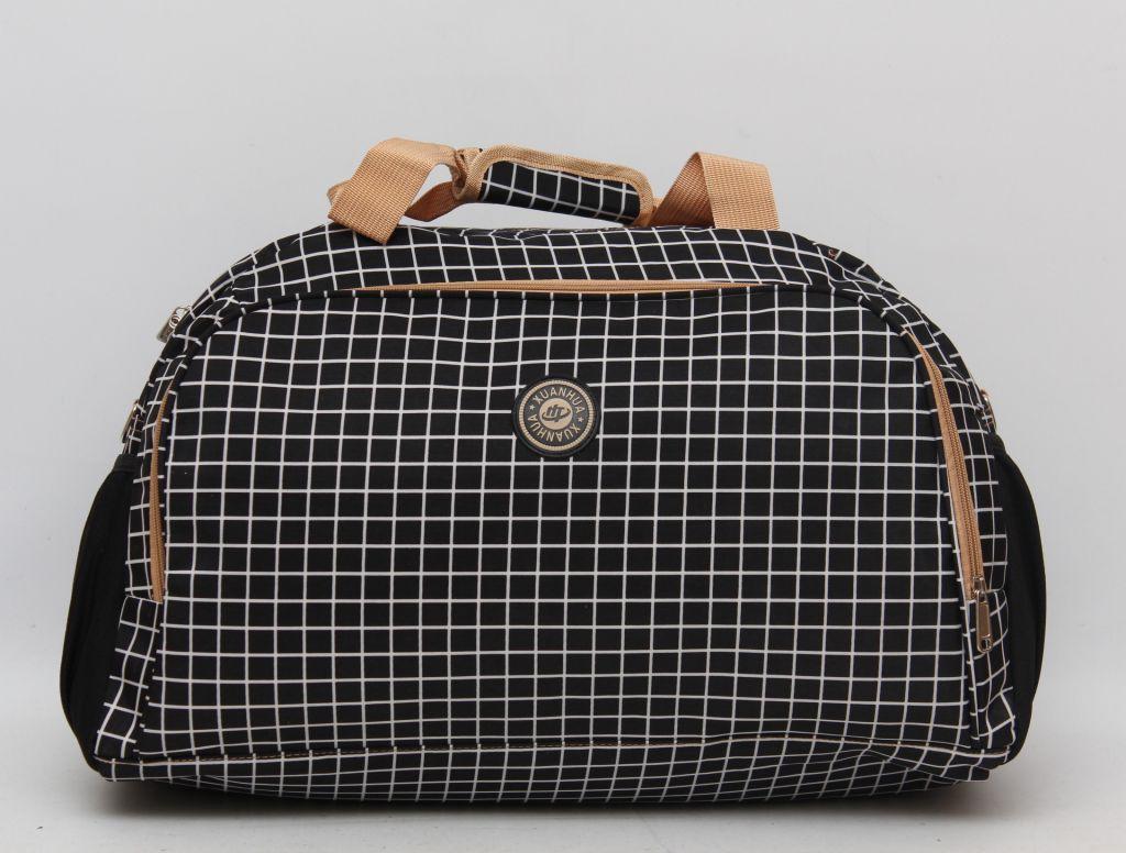 b719d7375c05 Дорожная женская сумка в клеточку. Стильный дизайн. Качественный принт.  Доступная цена. Дешево