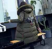 Пальто зимнее с нашивкой на спине темно-зеленое, фото 1
