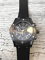 Женские наручные черные часы HUBLOT