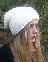 Женская шапка белая с отворотом