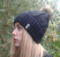 Женская шапка с бубоном черная