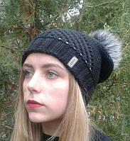 Женская шапка черная с бубоном