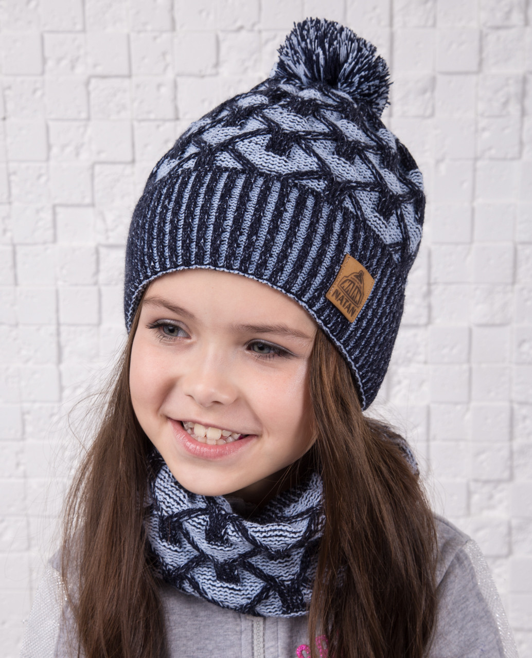 Теплый вязанный комплект для девочки (шапка с помпоном и хомут) - Артикул #26