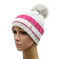 Стильная зимняя шапка с отворотом и с бубоном из песца