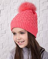 Вязанная шапка с меховым помпоном для девочек - Артикул 12А (пудра)