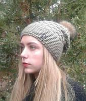 Женская шапка вязания светло коричневая