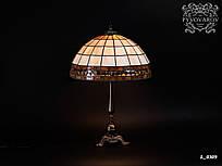 Лампа Тиффани из кусочков цветного стекла