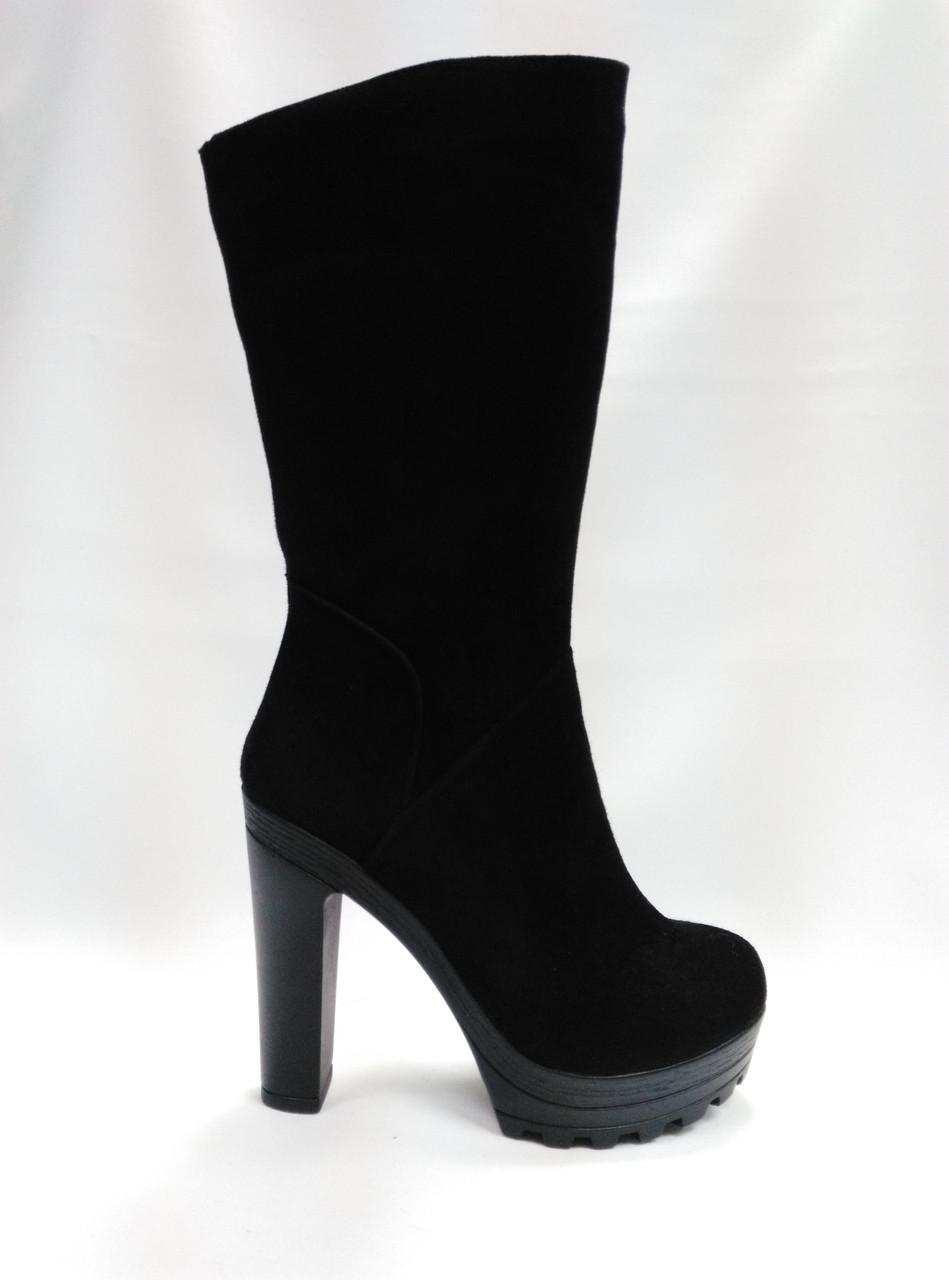 Черные  замшевые ботиночки на каблуке. Маленькие размеры (33- 35).Украина..