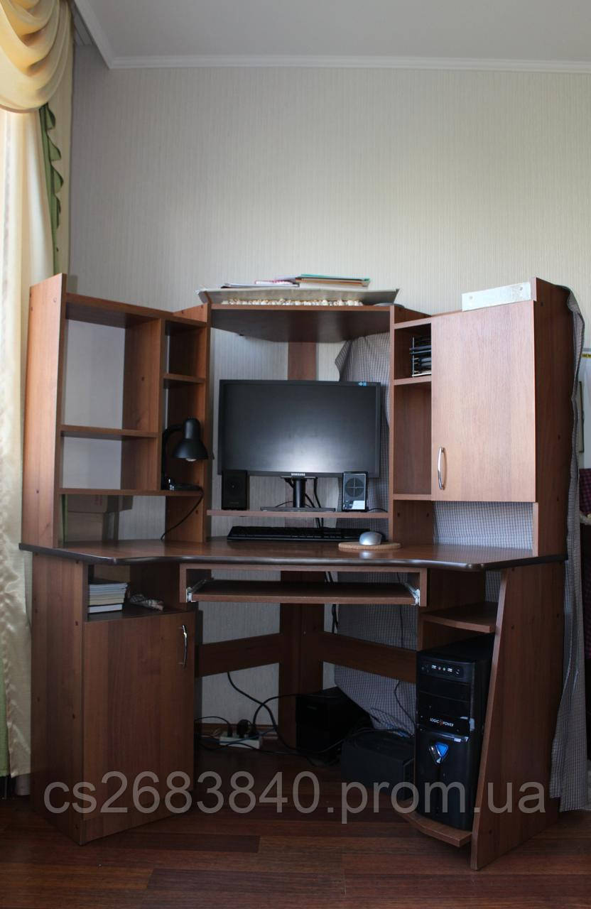 офисный компьютерный стол угловой деревянный с полками продажа